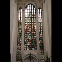 Rostock, St. Marien (Turmorgel), Fenster mit 26 m hoher Glasmalerei im Südquerhaus