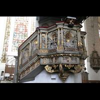 Rostock, St. Marien (Turmorgel), Kanzel und Fenster im Südquerhaus