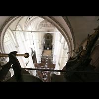Rostock, St. Marien (Turmorgel), Blick vom Dach der Orgel zum Ostchor