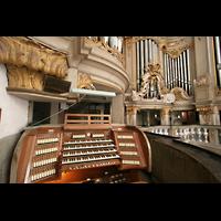 Rostock, St. Marien (Turmorgel), Spieltisch mit Orgel