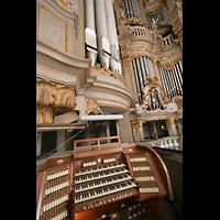 Rostock, St. Marien (Turmorgel), Orgel und Spieltisch