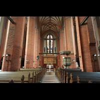 Güstrow, Ev.-Luth. Pfarrkirche St. Marien, Innenraum / Hauptschiff in Richtung Chor
