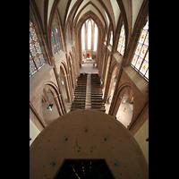 Oppenheim, St. Katharinen, Blick vom Mittelturm nach unten