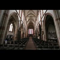 Saarbrücken, Stiftskirche St. Arnual, Innenraum / Hauptschiff in Richtung Chor