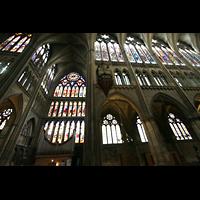 Metz, Cathédrale Saint-Étienne (Langschifforgel), Querhausfenster von Valentin Bousch und Querhausorgel