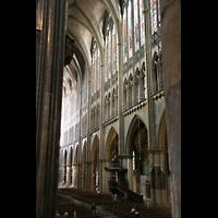 Metz, Cathédrale Saint-Étienne (Langschifforgel), Blick von der Querhausorgel ins Langhaus