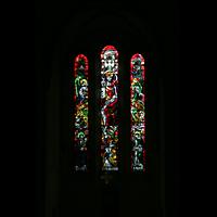 Echternach, Basilika St. Willibrord, Fenster im Chorraum