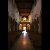 Echternach, Basilika St. Willibrord, Innenraum / Hauptschiff in Richtung Orgel