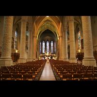 Luxemburg, Kathedrale (Symphonische Orgel), Innenraum / Hauptschiff in Richtung Chor