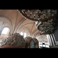 Trier, Dom St. Peter (Kryptaorgel), Blick zwischen Rückpositiv- und Hauptwerkstürmen ins Gewölbe