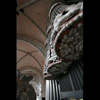 Trier, Dom St. Peter (Kryptaorgel), Blick vom Spieltisch nach oben