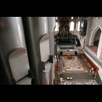 Trier, Dom St. Peter (Kryptaorgel), Pedalpfeifen der Hauptorgel und Blick zur Chororgel