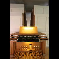 Dachau, St. Jakob, Mechanischer Spieltisch an der Seite der Orgel