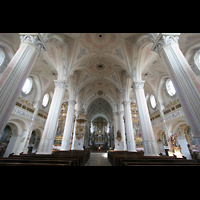 Polling, Stiftskirche St. Salvator und Heilig-Kreuz (Chororgel), Innenraum / Hauptschiff in Richtung Chor