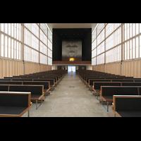 München, Herz-Jesu-Kirche, Innenraum / Hauptschiff in Richtung Orgel