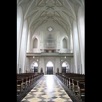 München (Haidhausen), St. Johann Baptist (kath.), Innenraum / Hauptschiff in Richtung Orgel