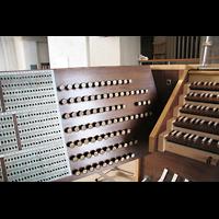 München, Mariahilf-Kirche (Hauptorgel), Registerstaffel und Kombinationssystem