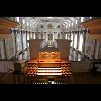München, Bürgersaalkirche, Spieltisch mit Blick über das Rückpositiv in die Kirche