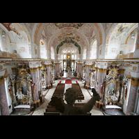 Fürstenfeldbruck, Klosterkirche (Hauptorgel), Blick über die Emporenbrüstung in die Kirche