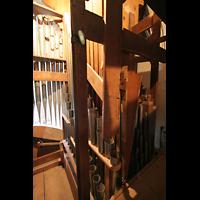 Ottobeuren, Abtei - Basilika (Heilig-Geist-Orgel), Pedalpfeifen mit Holz-Bombarde