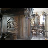 Ottobeuren, Abtei - Basilika (Heilig-Geist-Orgel), Blick auf den Spieltisch der Dreifaltigkeitsorgel und zur Heilig-Geist-Orgel