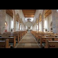Waldkirchen, St. Peter und Paul (''Bayernwalddom''), Innenraum / Hauptschiff in Richtung Chor