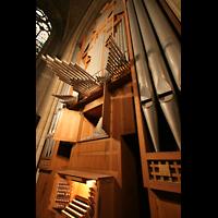 Linz, Maria-Empfängnis-Dom (Hauptorgel), Große Orgel - Spieltisch und Prospekt