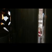 Passau, Dom St. Stephan, Blick durch die Prospektpfeifen des Prinzipal 16' in den Dom