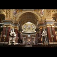 Budapest, Szent István Bazilika (St. Stefan Basilika), Innenraum / Hauptschiff in Richtung Chor