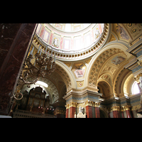 Budapest, Szent István Bazilika (St. Stefan Basilika), Innenraum / Hauptschiff in Richtung Orgel