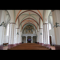 Gransee, Ev. Stadtkirche St. Marien, Innenraum / Hauptschiff in Richtung Orgel