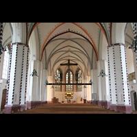 Gransee, Ev. Stadtkirche St. Marien, Innenraum / Hauptschiff in Richtung Chor