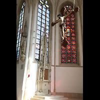 Dülmen, St. Viktor, Gotisches Sakramentshaus (15. Jh.) und Figurenschmuck