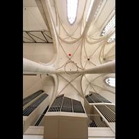 Dülmen, St. Viktor, Orgel und Blick ins Chorgewölbe