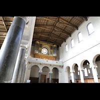 Potsdam, Friedenskirche am Park Sanssouci, Orgelempore und Innenraum