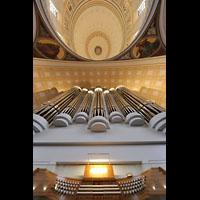 Potsdam, St. Nikolai (Hauptorgel), Blick vom Spieltisch auf den Orgelprospekt und in die Kuppel
