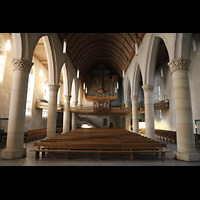 Kirchheim unter Teck, Stadtkirche St. Martin, Hauptschiff in Richtung Orgel