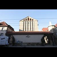 Stuttgart, St. Fidelis, Außenansicht von der Seidenstraße aus