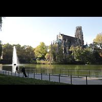 Stuttgart, Johanneskirche, Feuersee mit Johanneskirche