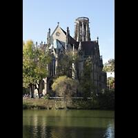Stuttgart, Johanneskirche, Ansicht über den Feuersee