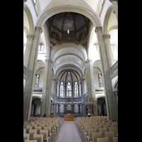 Stuttgart, Matthäuskirche, Innenraum in Richtung Chor