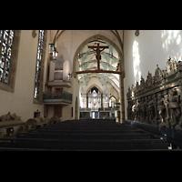 Stuttgart, Stiftskirche (Chororgel), Blick vom Altarraum zur Chor- und Hauptorgel
