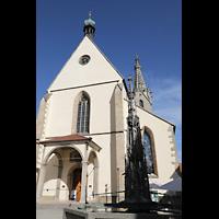 Rottenburg, Dom St. Martin, Außenansicht von Südwesten, rechts der Marktbrunnen