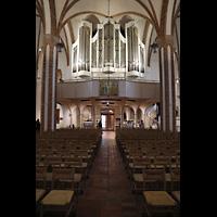 Berlin (Spandau), St. Nikolai, Hauptschiff in Richtung Orgel