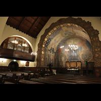 Ålesund (Aalesund), Kirke, Chorraum mit Chororgel