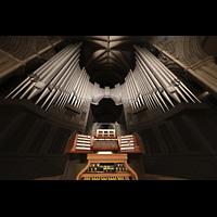 Trondheim, Nidarosdomen (Wagner-Orgel), Hauptorgel mit Spieltisch perspektivisch