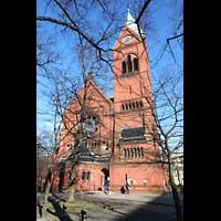 Berlin - Spandau, Lutherkirche, Kirche von hinten mit Turm