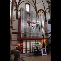 Berlin - Spandau, Lutherkirche, Orgel mit Spieltisch