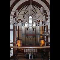 Berlin - Spandau, Lutherkirche, Orgel von der Empore aus gesehen