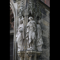 Leipzig, Thomaskirche - Bachorgel, Figuren auf der rechten Seite des Apostel-Portals